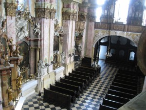 Prohlídka kláštera MB 064