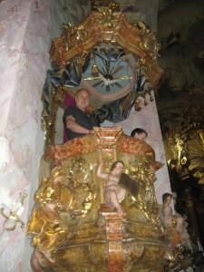 Prohlídka kláštera MB 071